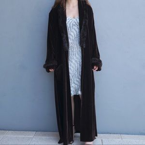 Other - Vintage Velvety Robe